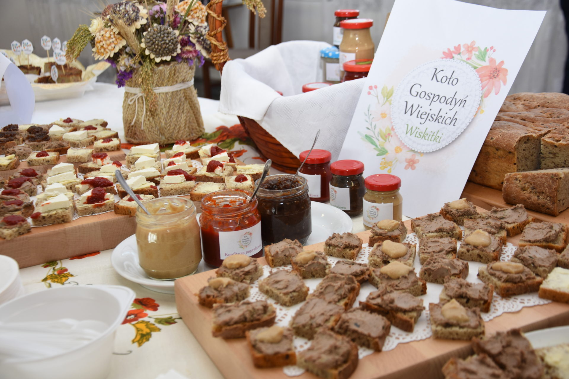 Potrawy regionalne i produkty promocyjne wybrane